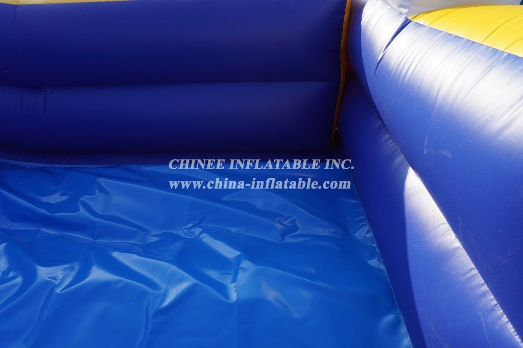T8-1323 Inflatable Mickey Mouse slide