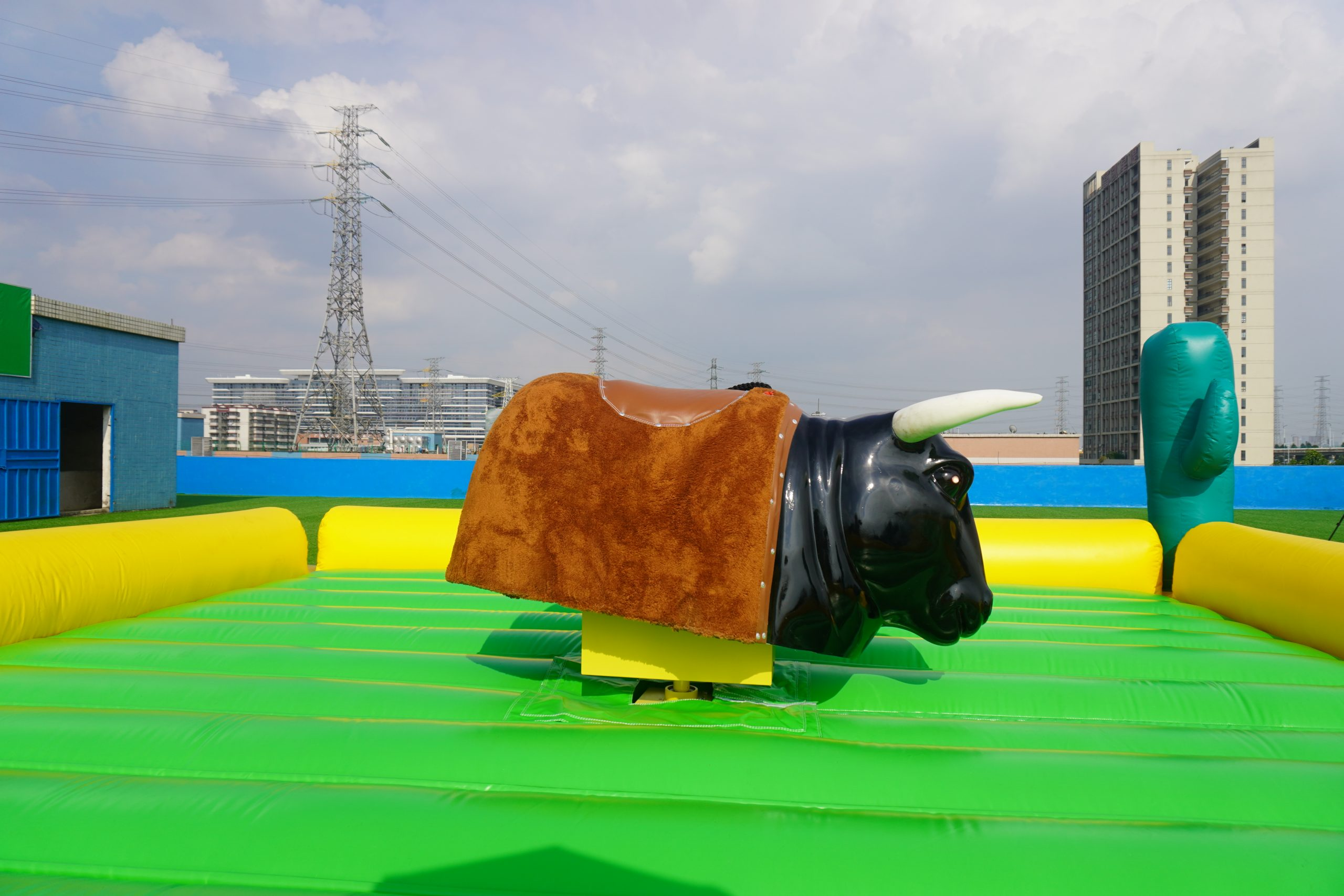T11-566  mechanical bull riding