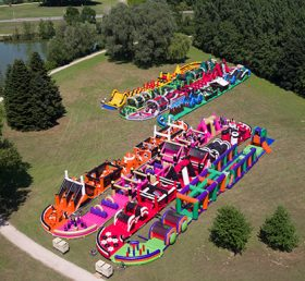 CR1-013 495.52m the world's longest inflatable obstacle course